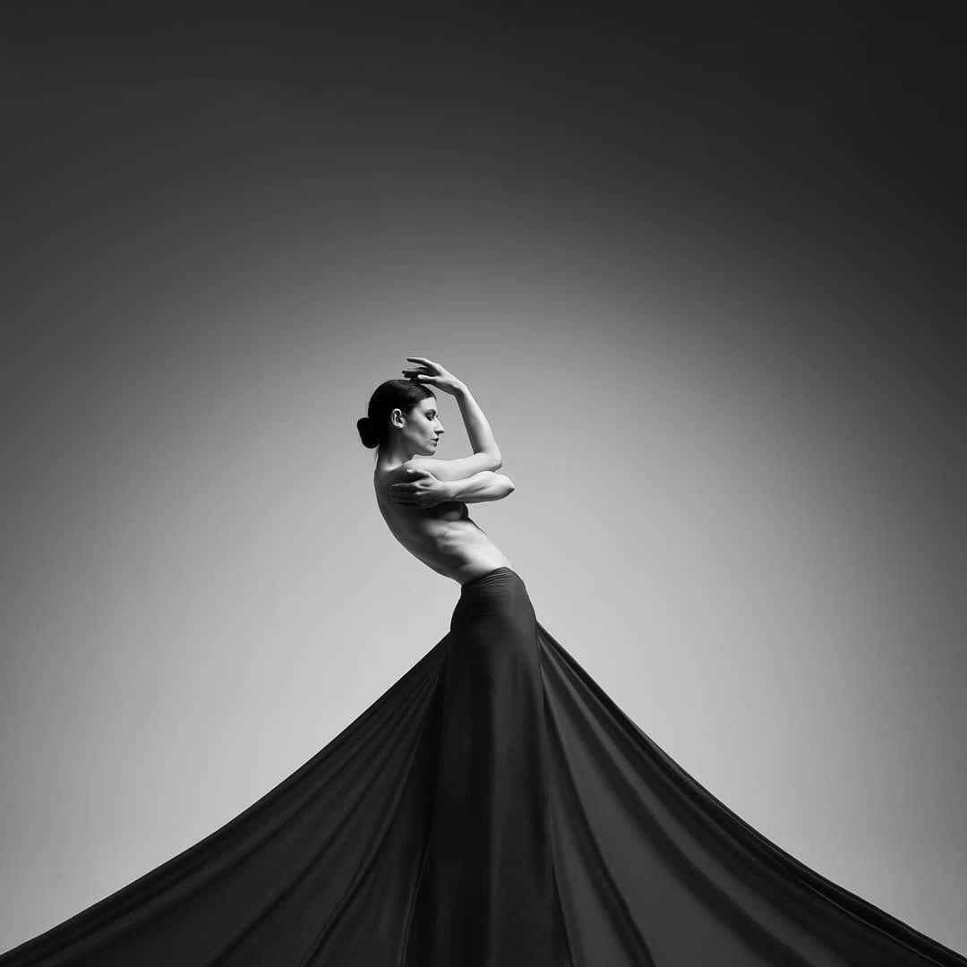 优雅的黑白人体摄影,极致的美感插图(12)