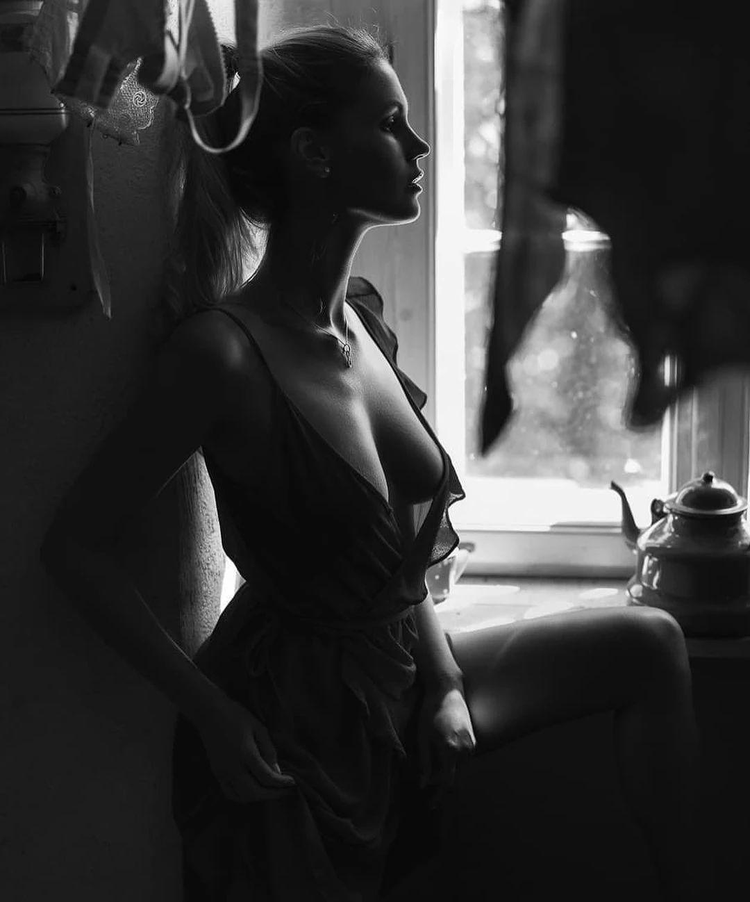 优雅的黑白人体摄影,极致的美感插图(6)