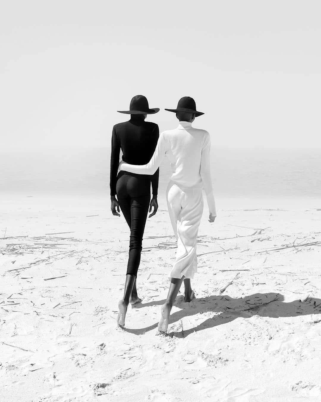 优雅的黑白人体摄影,极致的美感插图(18)