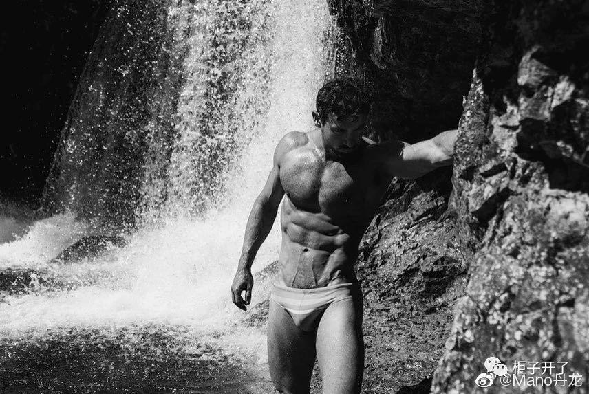 欧美肌肉男模帅哥黑白摄影写真照片插图(5)