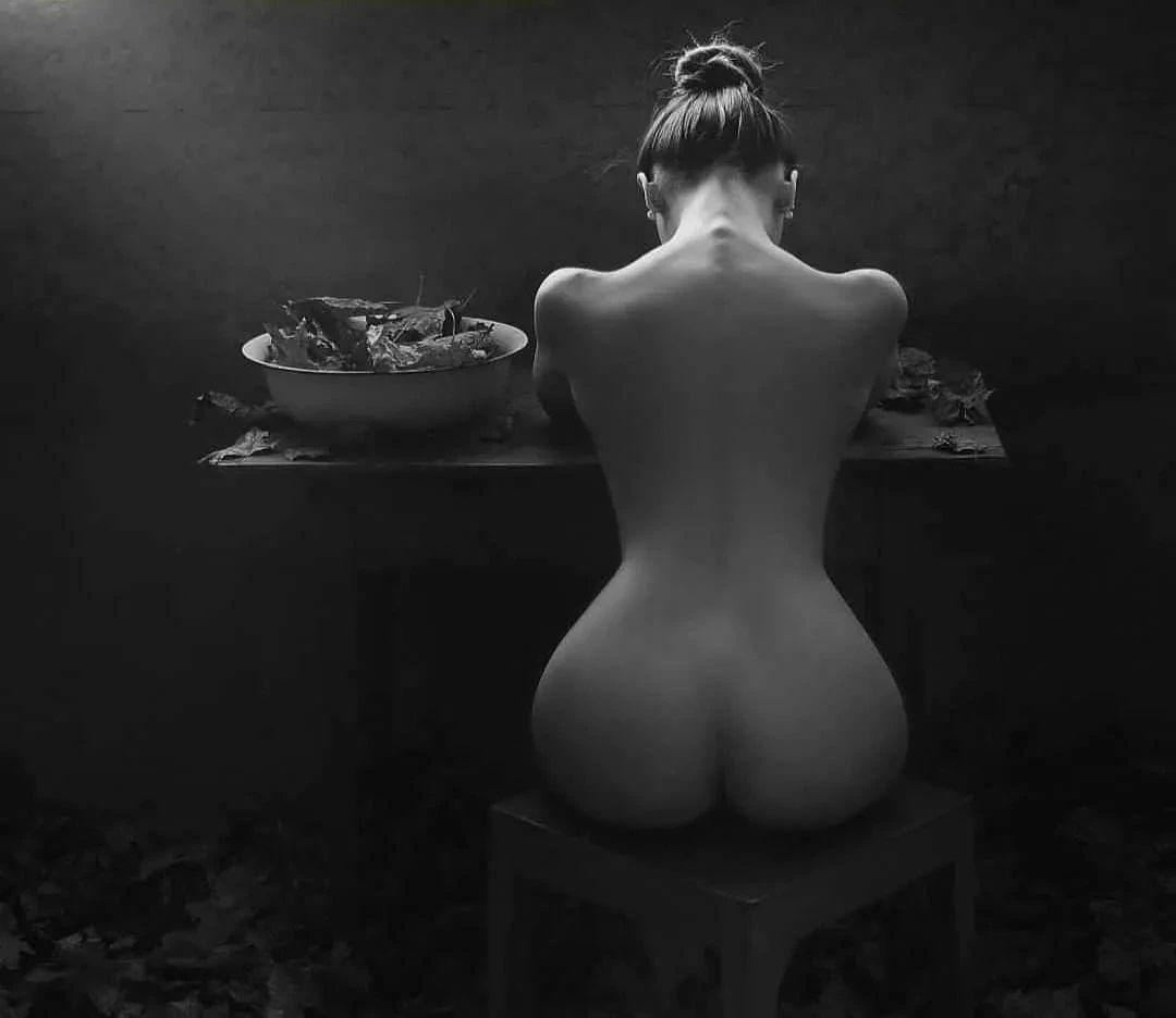 优雅的黑白人体摄影,极致的美感插图(8)
