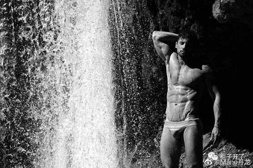 欧美肌肉男模帅哥黑白摄影写真照片插图(7)