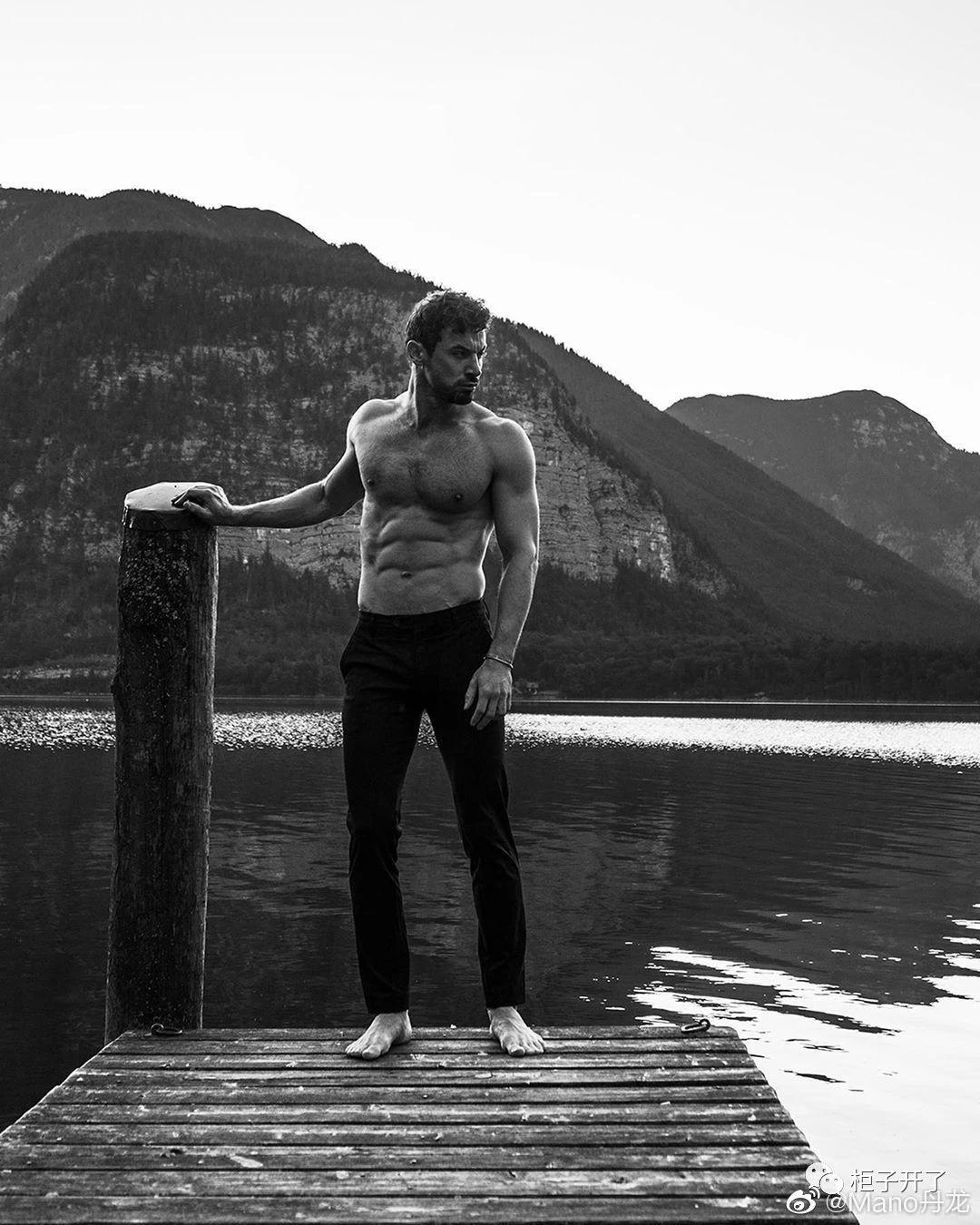 欧美肌肉男模帅哥黑白摄影写真照片插图(6)