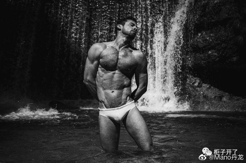 欧美肌肉男模帅哥黑白摄影写真照片插图(3)